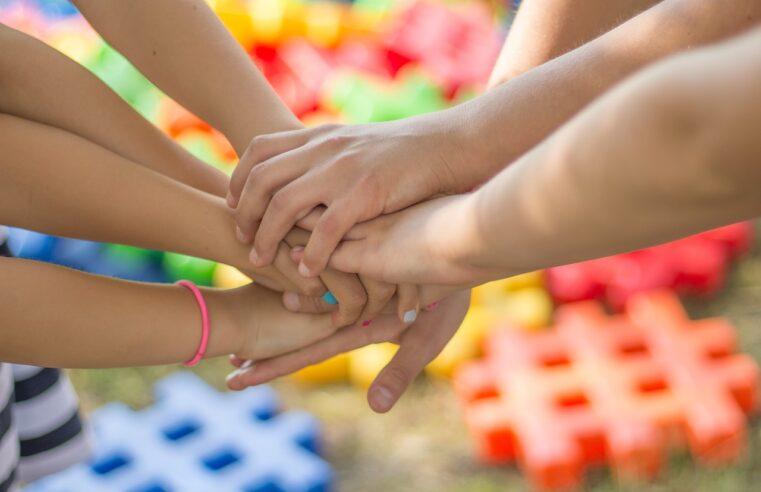 Jak zorganizować niezapomniane przyjęcie urodzinowe dla dzieci?